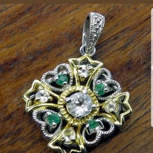 Jewelry - Natural white sapphires with natural emeralds